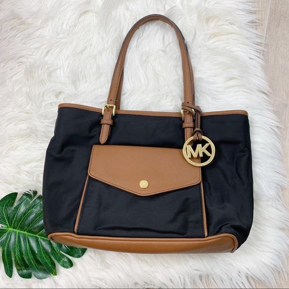 Michael Kors Handbags - Michael Kors Black Tan Leather Shoulder Bag Purse